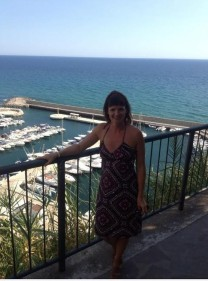 Me overlooking the harbour at Sperlonga